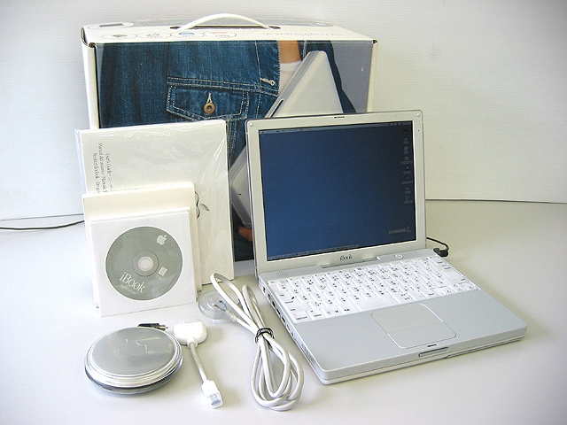 iBook G3 600MHz 12.1インチ